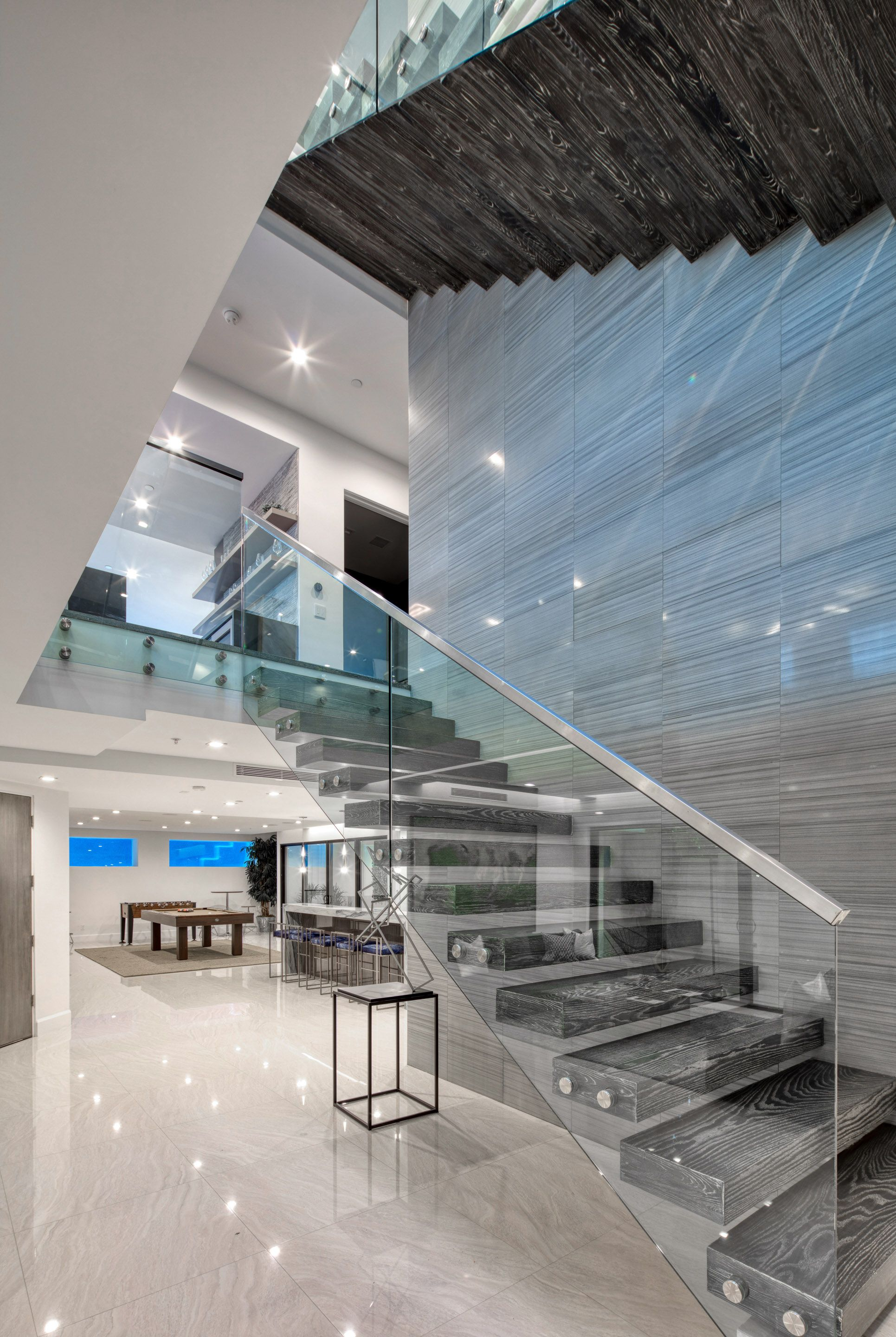 Best Modern Staircase In Luxury Home With Glass Railing 400 x 300