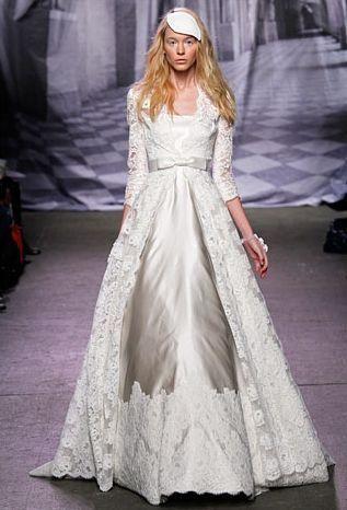 resultado de imagen de vestido con abrigo de encaje | novias y