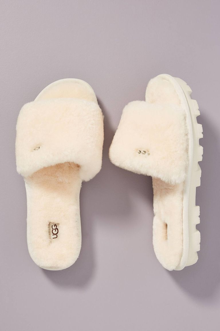 Photo of These Cute Slippers Will Complete Your Cozy WFH 'Fit