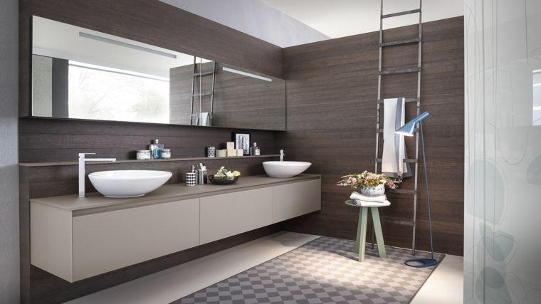 Idee bagno piastrelle di colore bianco per il pavimento mobile