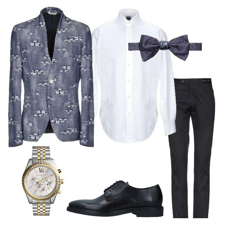 Giacca e pantalone nero con camicia bianca e papillon