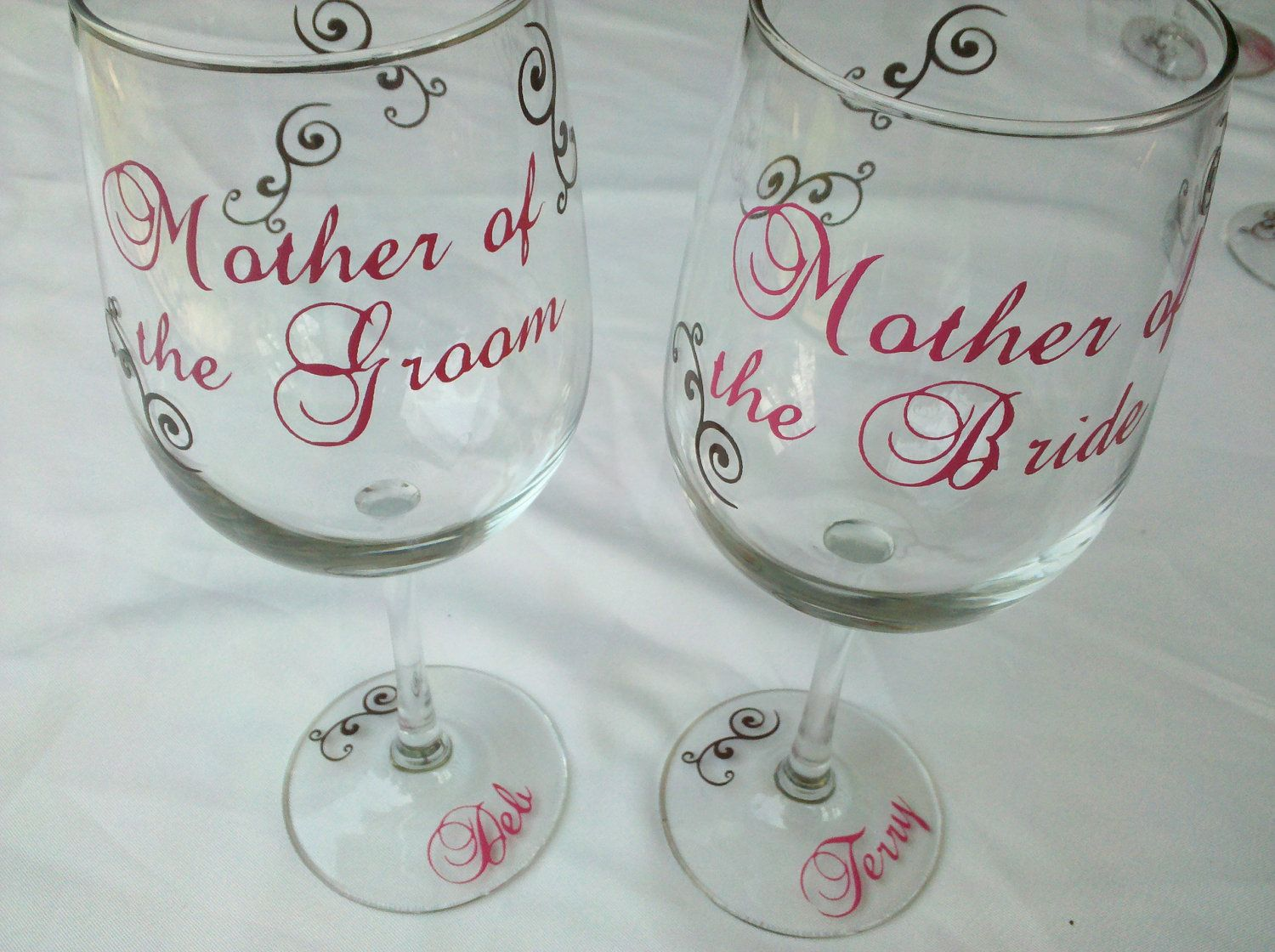 Personalized mother of the bride or groom gift wine glass wedding