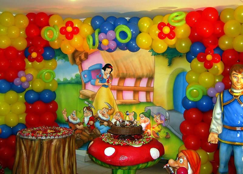 Snow White Themed Birthday Party Snow White Party Snow Party