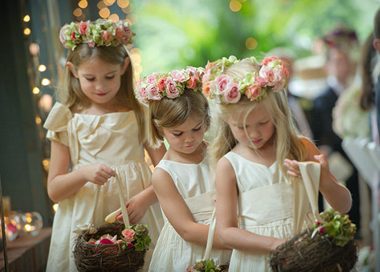 fille de fleur au mariage