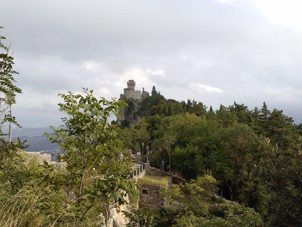 Per la contea!!!! No, San Marino.