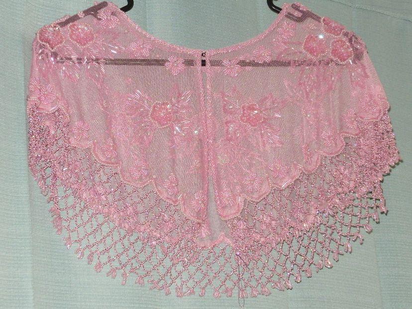 Pink hand beaded collar. (http://hautecouturecrafts.com)