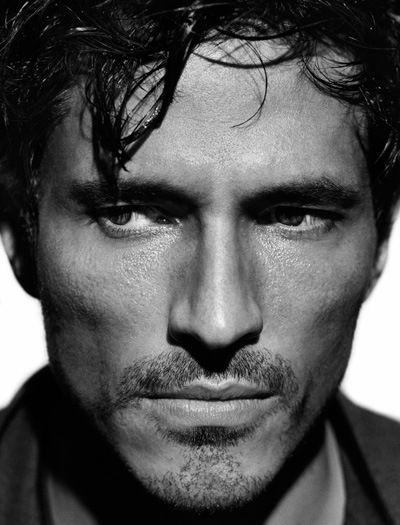 Andres velencoso es un modelo espa ol especialmente for Benetton y sus campanas publicitarias