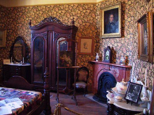 Victorian Bedroom Love The Corner Fireplace Victorian Home Decor Victorian Rooms Victorian Homes