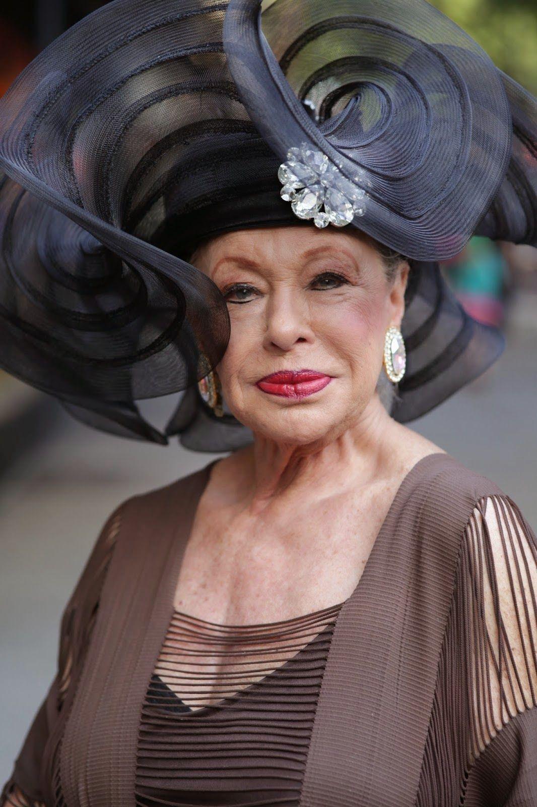 A-a-a-a-lynn-hill-countess-of-glamour.jpg (1066×1600)