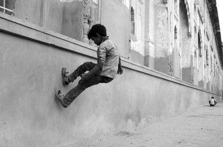 j'irai marcher sur vos murs (photographie : Udai Singh)