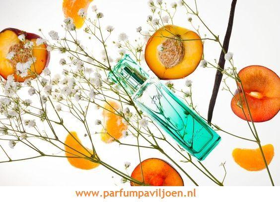 Parfum-Tip FM147 Het is de enige compositie waar de geuren van mandarijn, lychee, pruim en lelie een perfecte combinatie vormen. *Bloemig/oosters Type : smaakvol, aanlokkelijk Geurnoten Topnoten : lychee, mandarijn, perzik Hartnoten : pruim, lelies Basisnoten : vanille, amber, musk Andere cosmetica in deze serie : douchegel, deodorant, haargeur http://www.parfumpaviljoen.nl