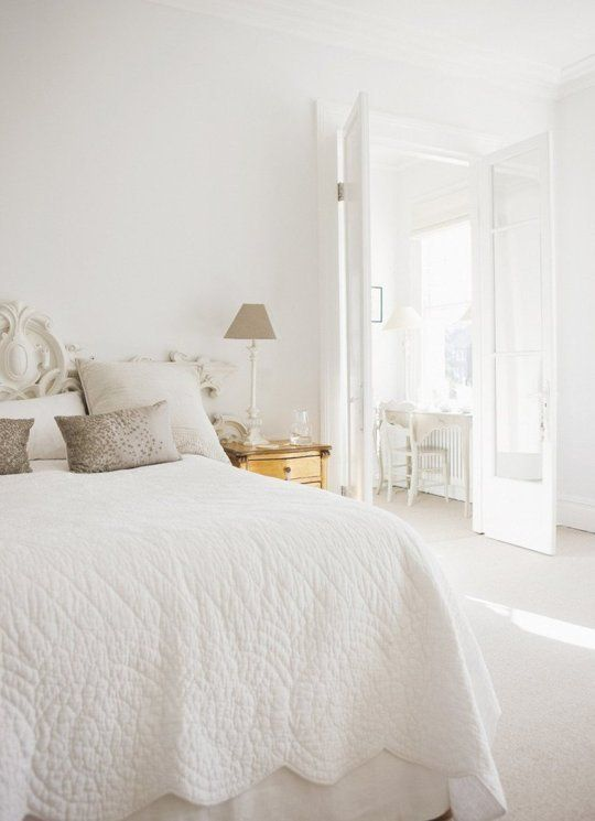 Bright White Bedroom: Light & Bright: A Gallery Of All White Bedrooms