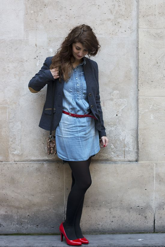 3499fba15a259 Look   veste à coudières Bonobo, robe en tencel Bonobo, escarpins rouges  Eco Vegan Shoes, pochette vegan Matt   Nat