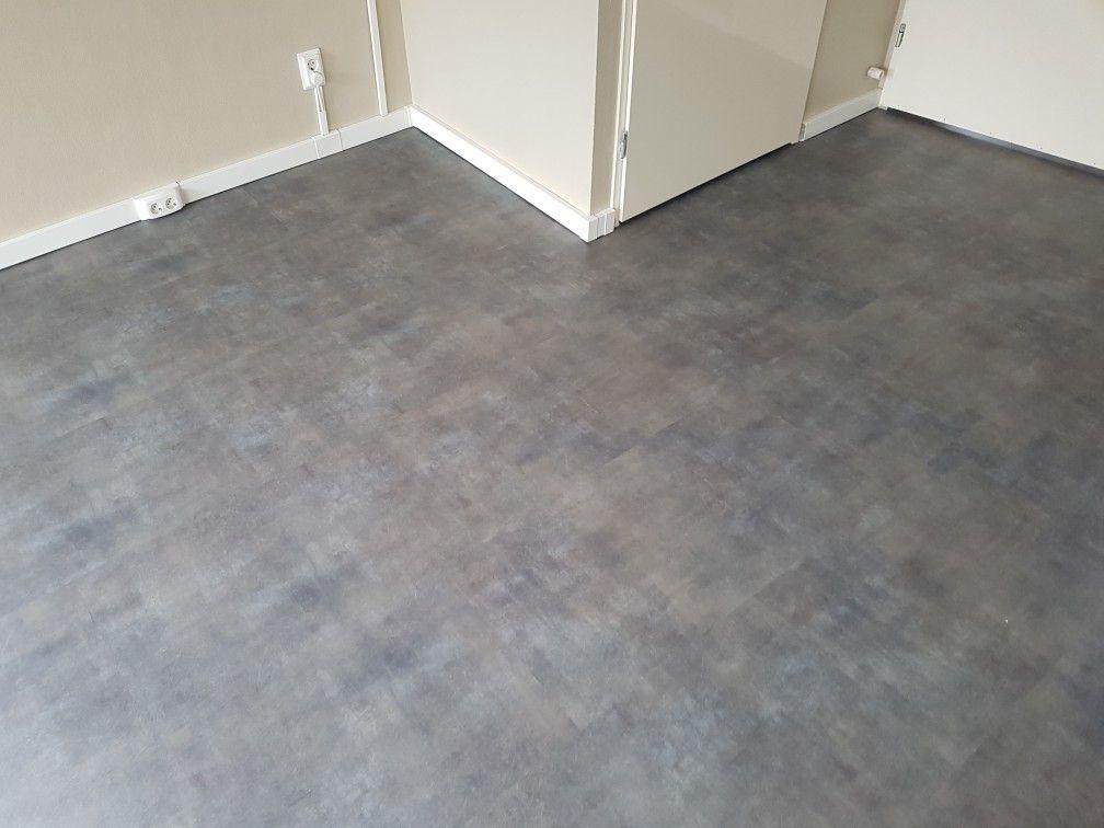 Betonlook pvc vloer gelegd in heerhugowaard pvc vloeren