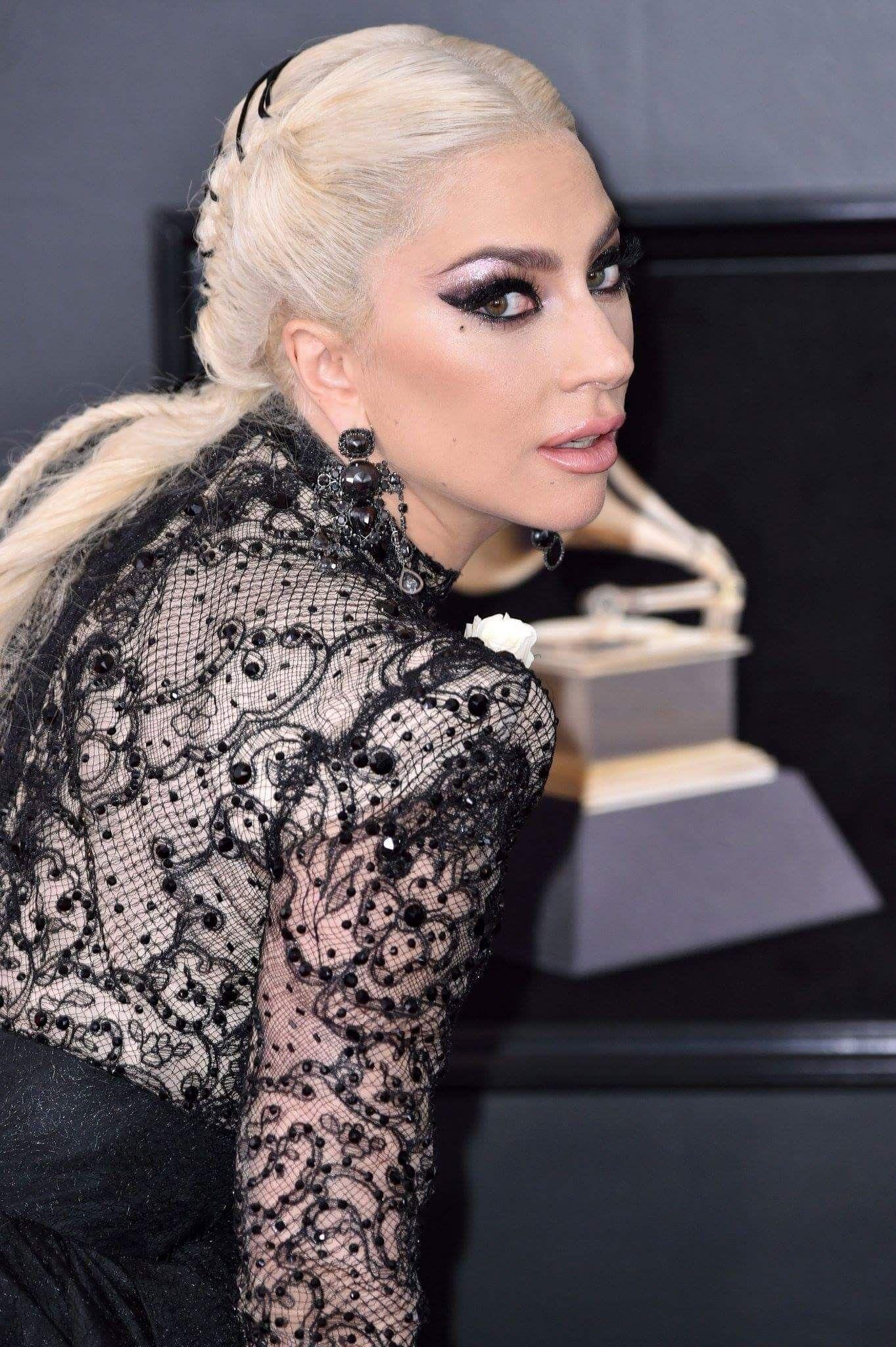 Lady Gaga (Grammy Awards 2018) | Musique, Fatale et Ciné