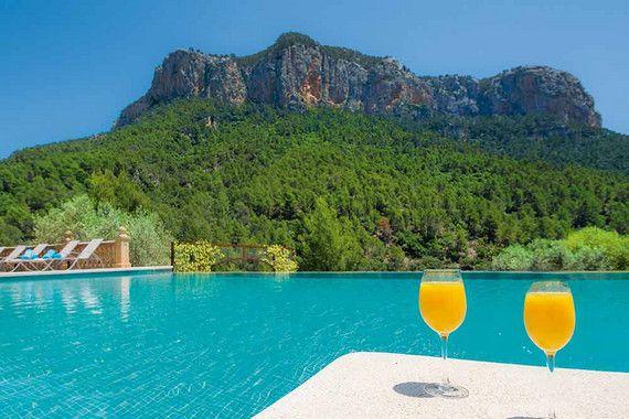 Das Bezaubernde Landhotel S Olivaret Verbindet Geschichte Und Tradition Mit Komfort Und Dem Hohen Anspruch Den Urlaub Seiner Gaste Unver Mallorca Urlaub Finca