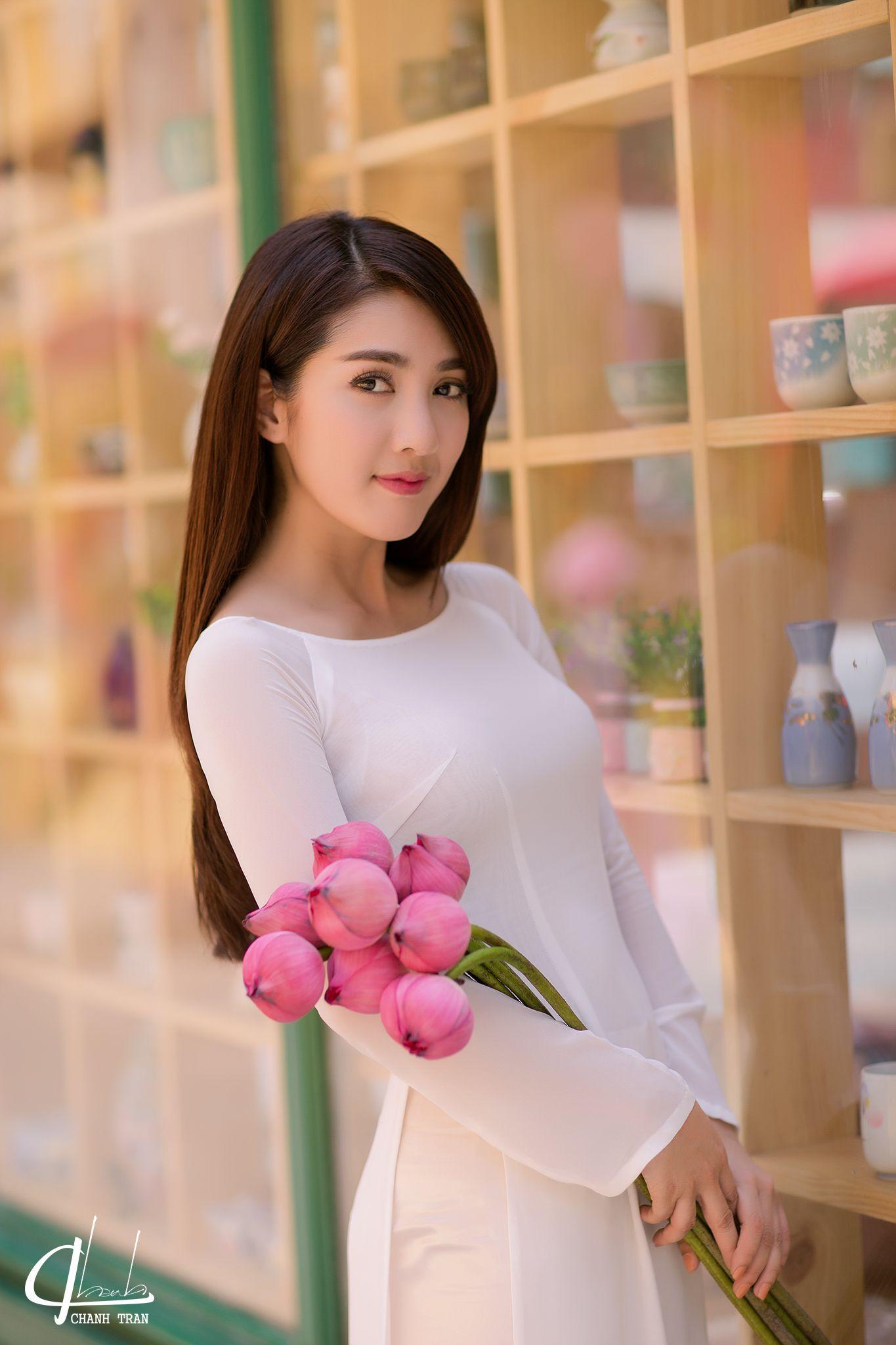 229c3858 Pin by Ha on Ao Dai | Femenina, Belleza, Belleza femenina