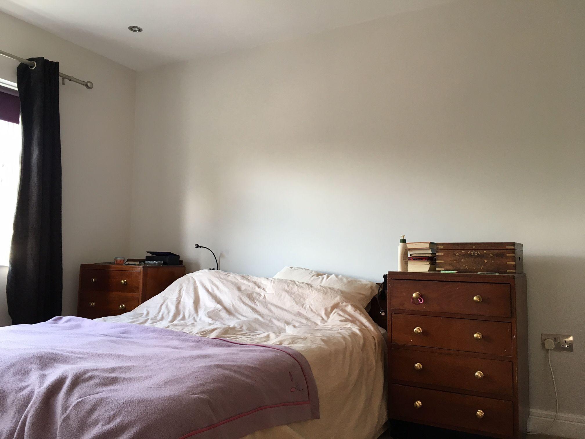 Dulux Zestaw Bedroom In A Box: Dulux Just Walnut On Walls