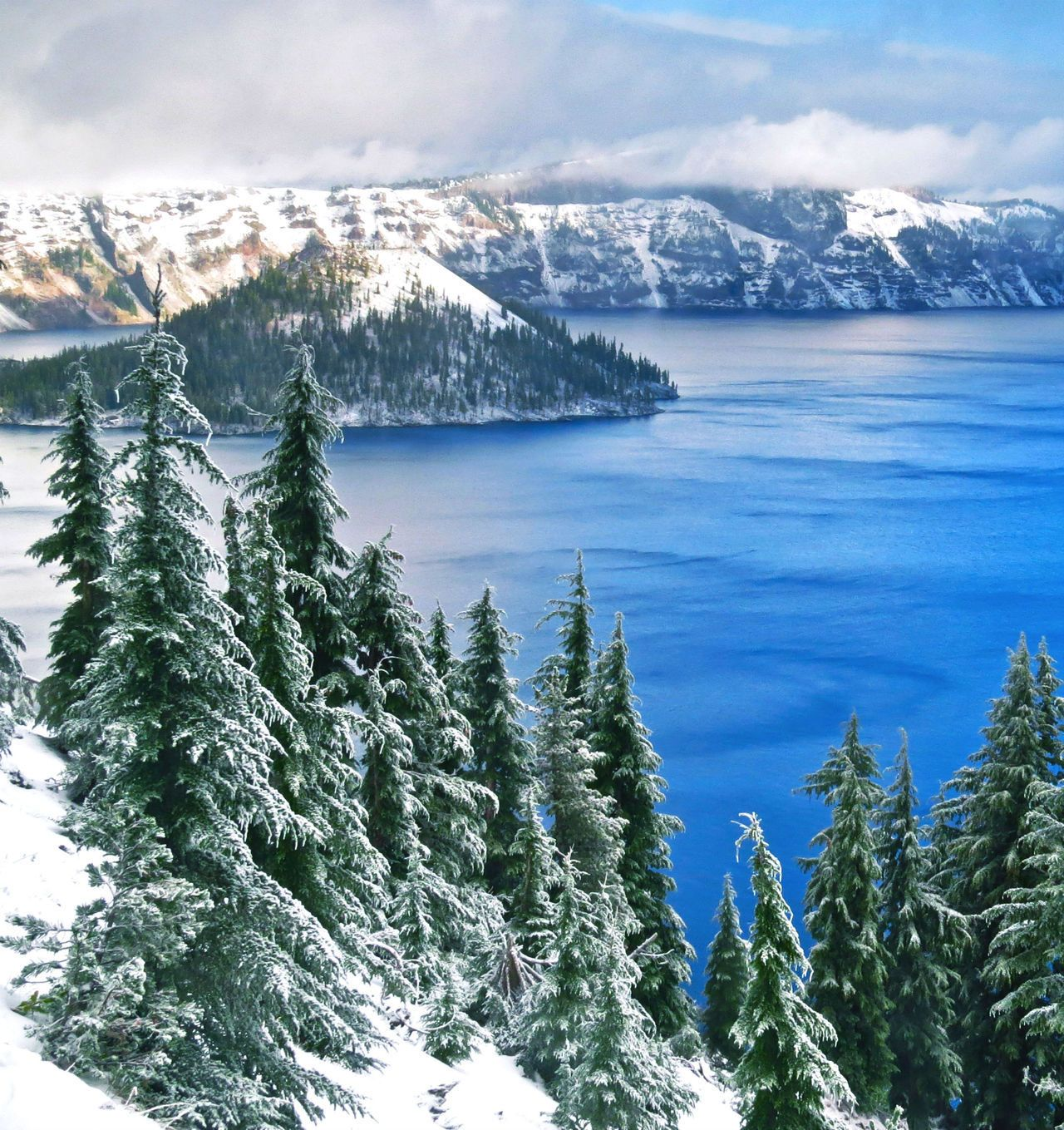 Crater Lake National Park in Oregon is not only one of the most beautiful places in the country but