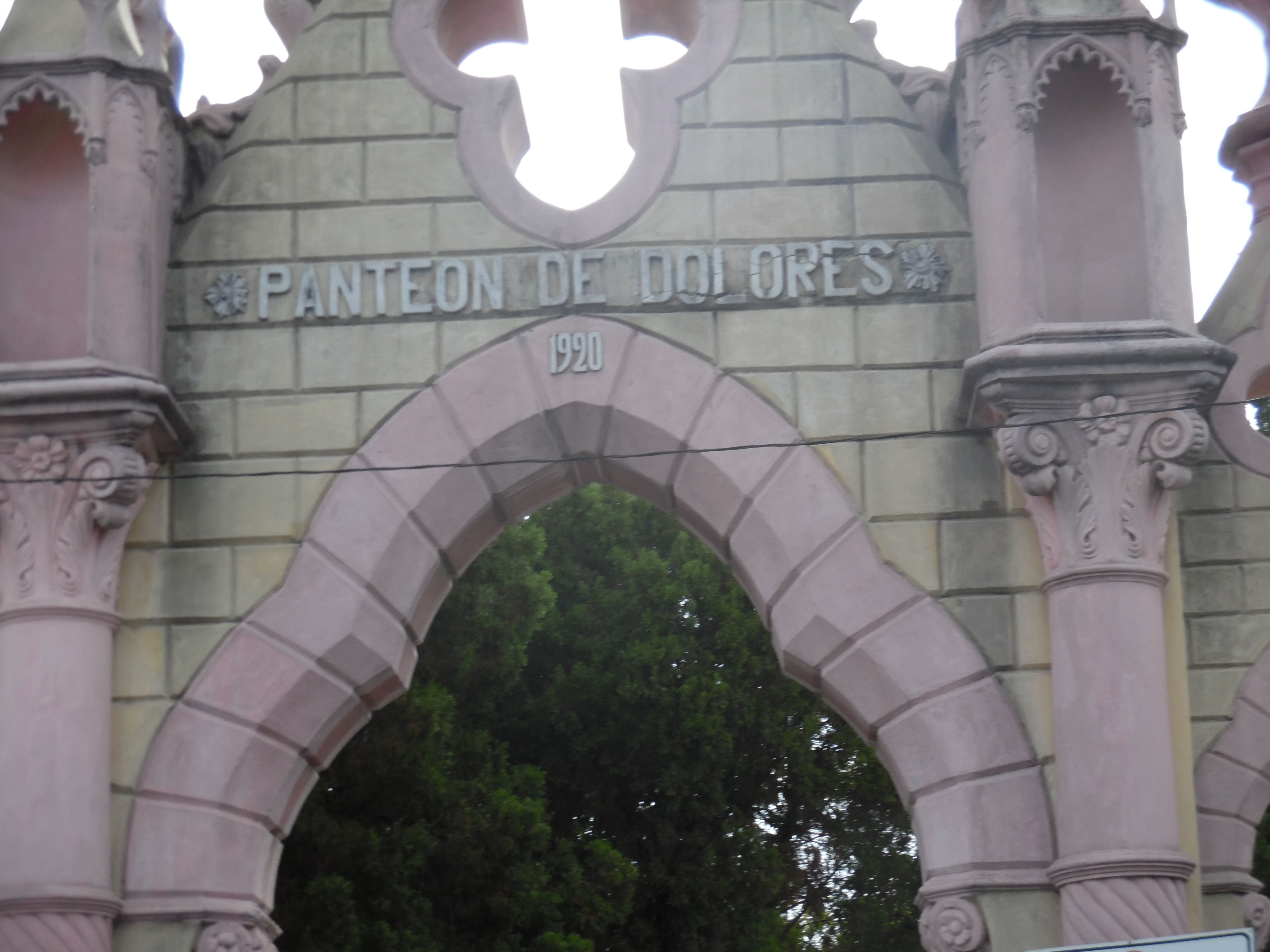 Panteon Dolores