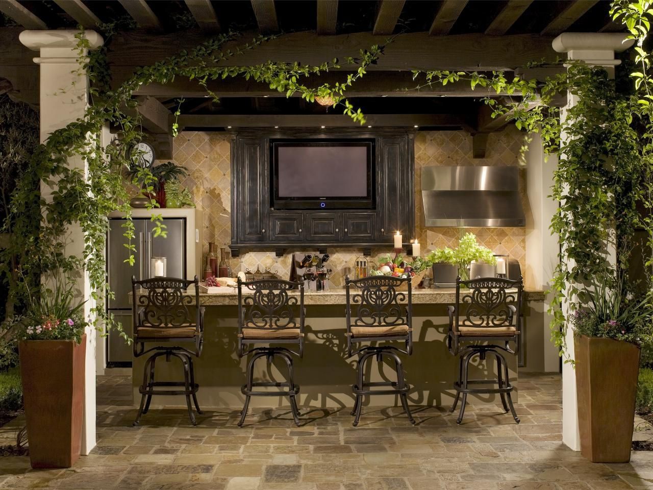 55 patio bars outdoor dining rooms hgtv patios and for Outdoor patio space ideas