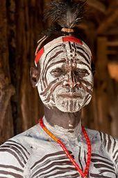 Photo of Karo tribesman with body paint in Omo Valley – #body #Karo #Omo #Paint #tribesma…