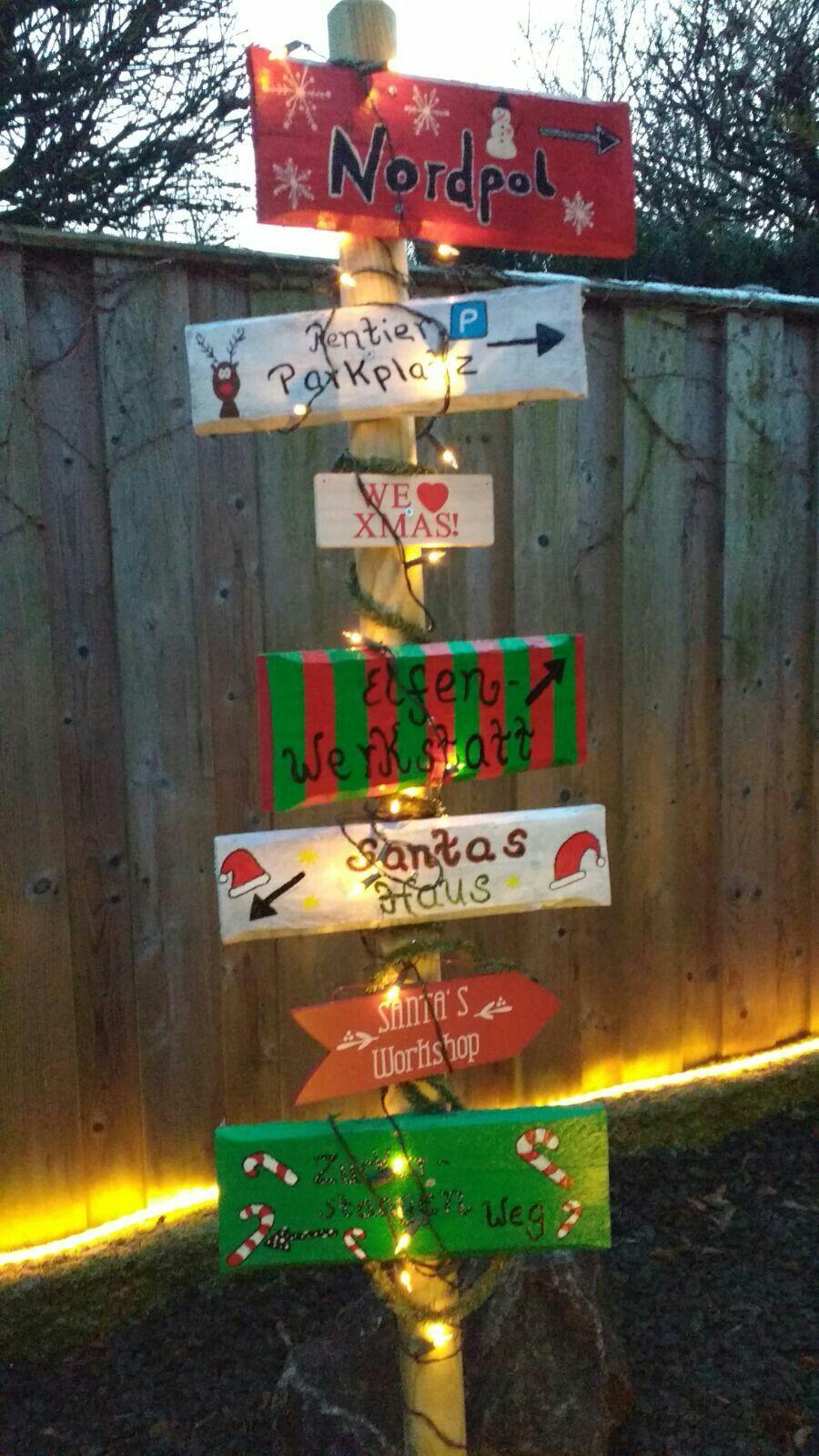 Damit Auch Alle Geschenke Ankommen Wegweiser Fur Den Garten Weihnachten Dekoration Aussendeko Weihnachten Geschenk Garten