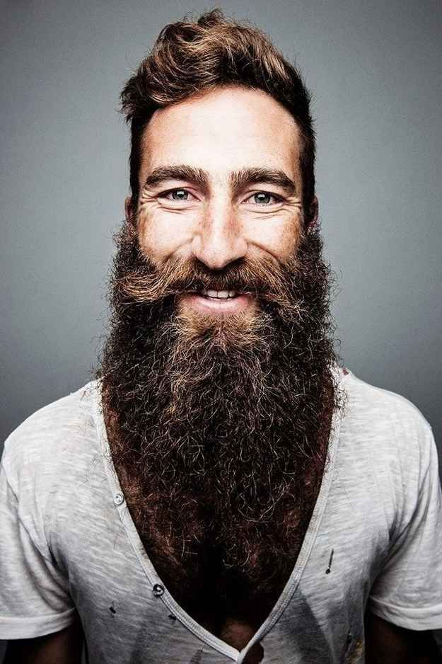This is Jimmy Niggles, who has been growing his extraordinary beard - tipos de barba