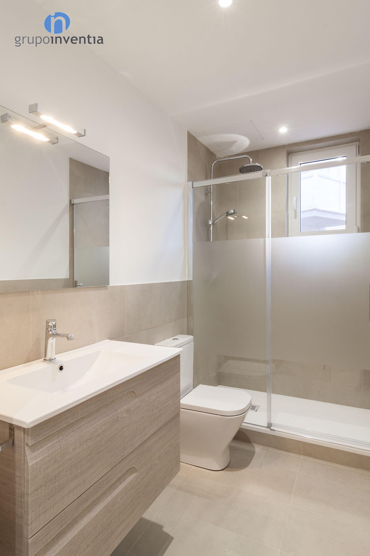 Badezimmer designs klein reforma de baño el baño se equipó por completo con lavabo inodoro