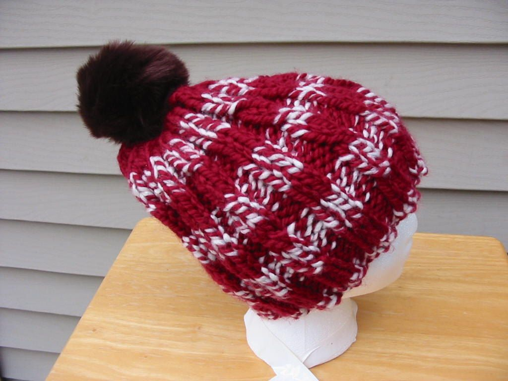 77afa1d375b Red Wool BEANIE Hat   Cable   Bulky   Toque   Chunky yarn   Hand Knit