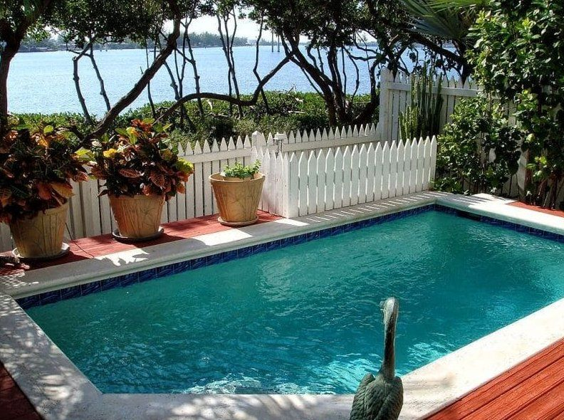 Small Inground Pool Ideas - Cool white fence | Small ...