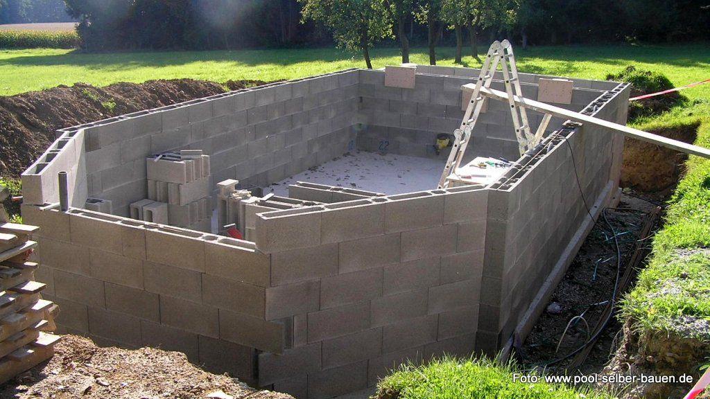 Mauern des Schwimmbeckens Hier sieht man, dass man bei der letzten - schwimmbad selber bauen