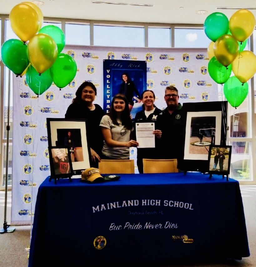 Signing Day Ceremony Ideas If Your Child Has Made It This Far To Sign A Letter Of Intent They De Signing Day Table Ideas Signing Day Table Signing Day Ideas