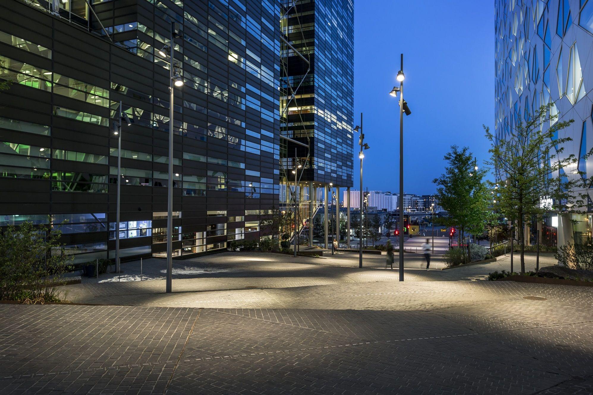 Stasjonsalmenningen – Oslo, Norway - Client: Bjørvika Infrastruktur AS - Lighting project: SLA - Photo: Tomasz Majewski – Lighting products: Maxiwoody by iGuzzini Illuminazione #iGuzzini #Lighting #Light #Luce #Lumière #Licht