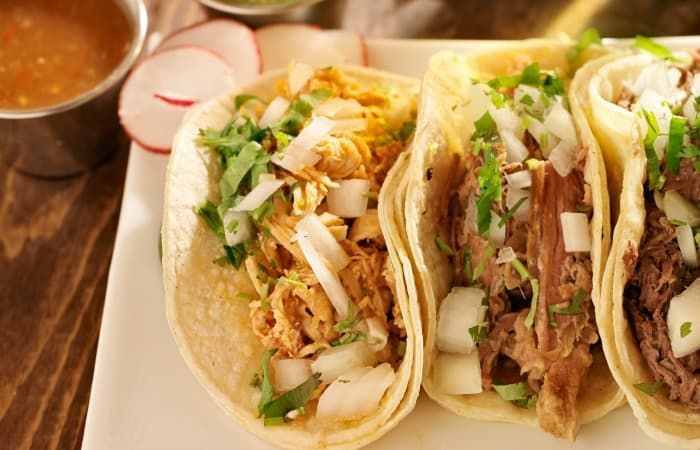 Shredded Chicken Street Tacos #shreddedchickentacos Shredded Chicken Street Tacos - Nerdy Mamma #shreddedchickentacos