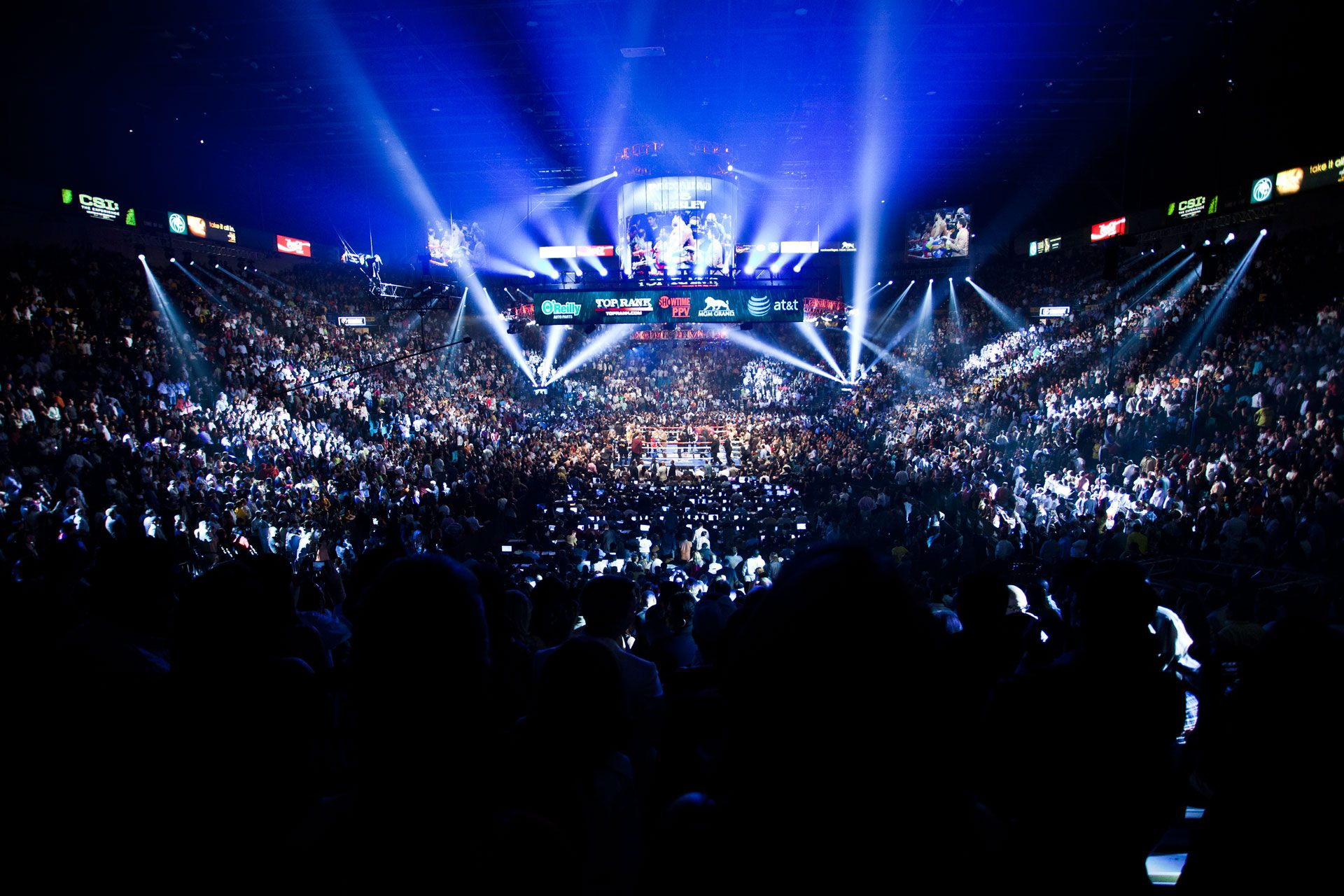 It S Showtime In The Mgm Grand Garden Arena Mgm Grand Garden Arena Boxing Live Stream Boxing Live