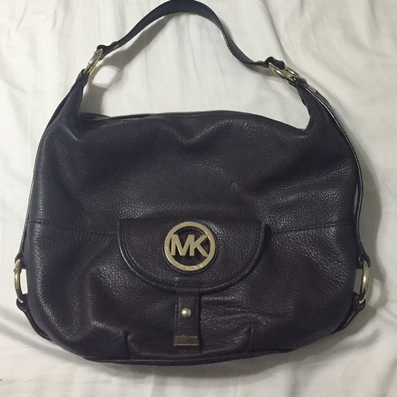 MICHAEL Michael Kors Fulton Shoulder Tote Purse Big purse and in great condition, held a lot of stuff! Great purse for moms, holds a lot of kids things! It has been used, the gold MK on the front has some scratches, but that's the only problem! The zippers work and there are no stains on the inside! MICHAEL Michael Kors Bags Shoulder Bags