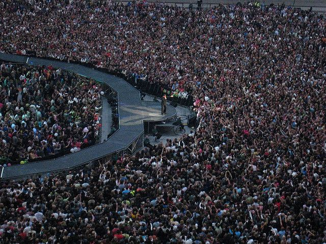 George Michael Amsterdam Arena june 26th 2007 25live | I was so close (but I can't find myself here).