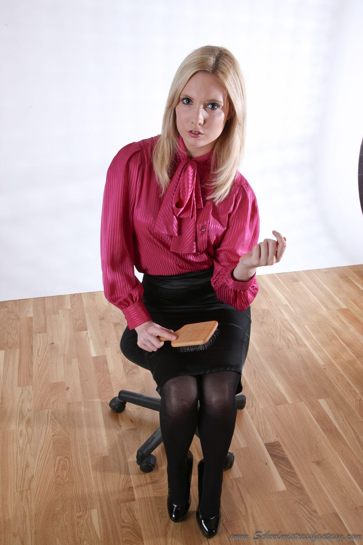 fb4545e0cce7 Tight Pencil Skirt, Pussybow Blouse, Streng, Silk Blouses, Beautiful Blouses,  Secretary