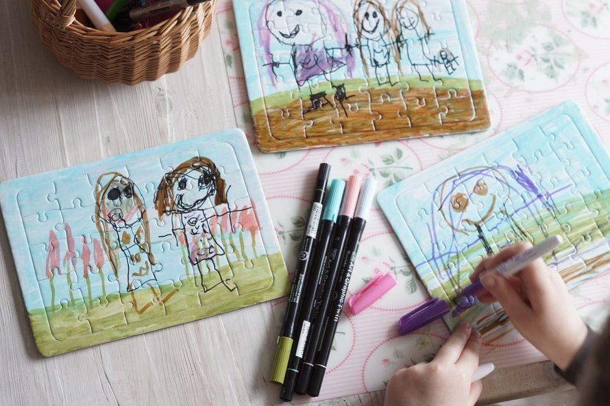 Anna erilainen lahja äidille. Lapsen piirtämä palapeli ilahduttaa!