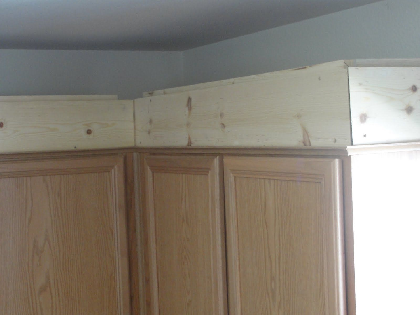 How To Install Crown Molding On Top Of Kitchen Cabinets ...