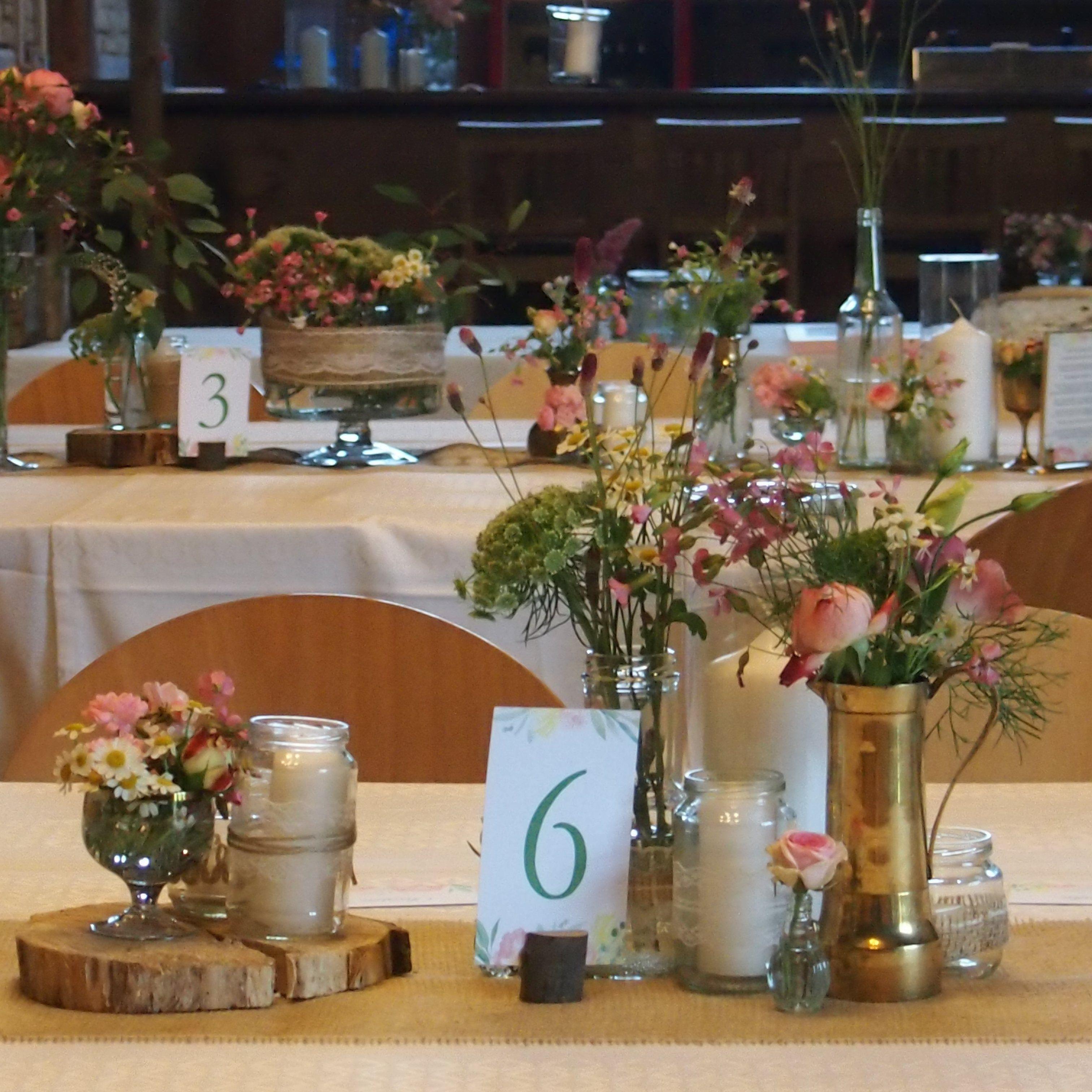 Lillelütt Hochzeitsdeko DIY Vintage Scheunenhochzeit Tischdeko