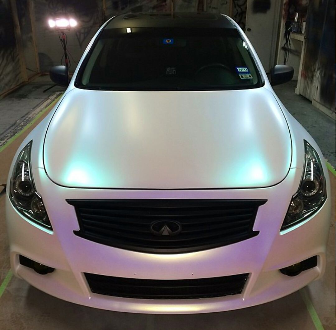 Color Changing Cars: Chameleon Paint Gives A Color Changing Effect With Light