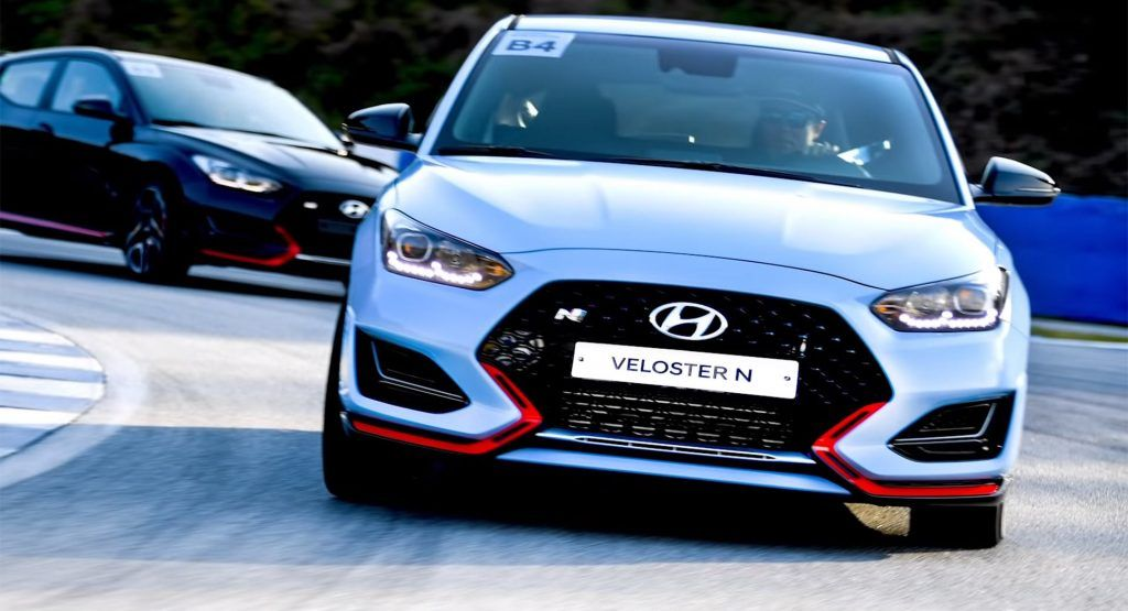 Heres The First Review Of The 2020 Hyundai Veloster N And Its Dct Hyundai Veloster Dual Clutch Transmission Hyundai