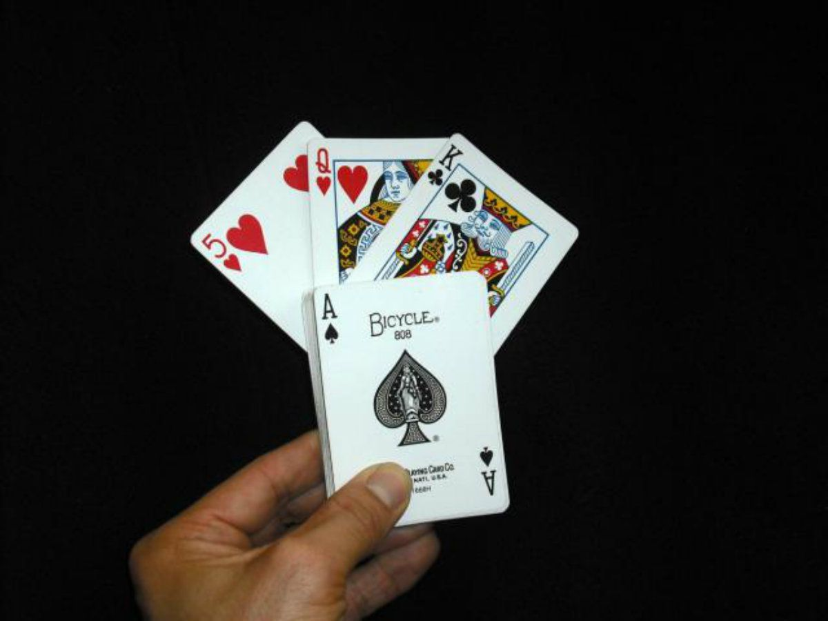 Find A Card Easy Magic Trick For Beginners With Images Cool