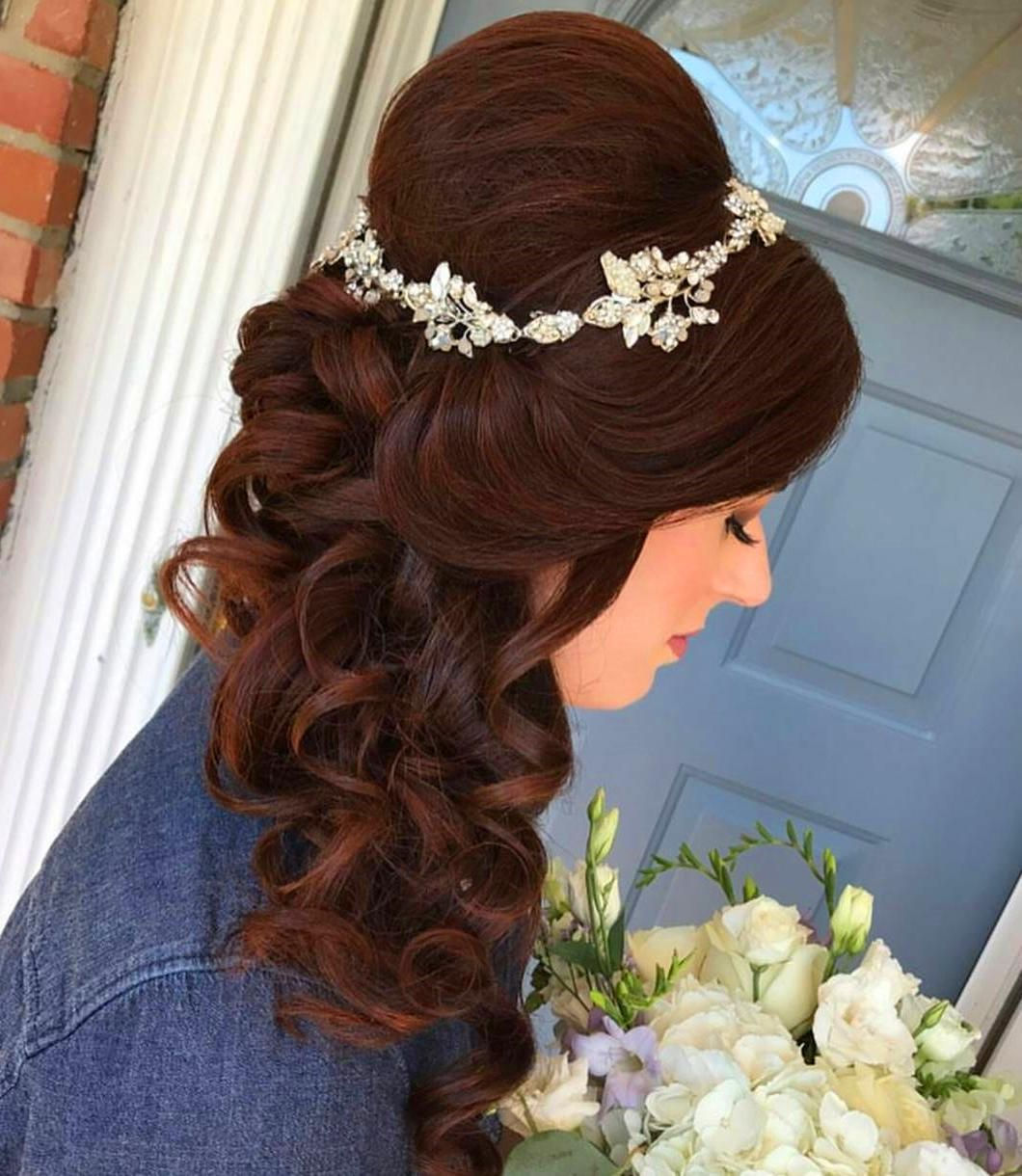 38 Simple Wedding Hairstyles That Are Easy To Master