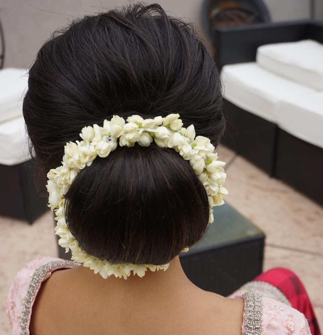 Obsessing Over This Updo Textured Volume With A Smooth Bun Oh And Fresh Jasmine Flowers Updo B Bridal Hair Buns Bridal Hair Inspiration Jasmine Hair
