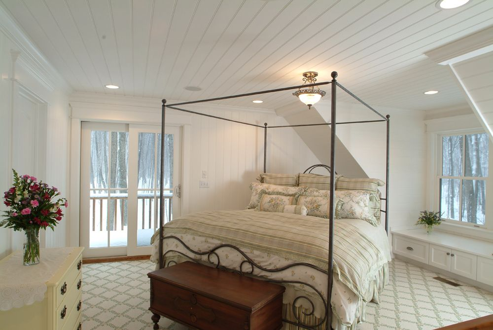 Sears Architects, Harbor Springs, cabin-style architecture, white bedroom, balcony