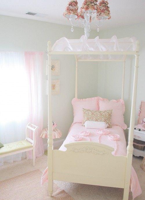 Love this comforter!!
