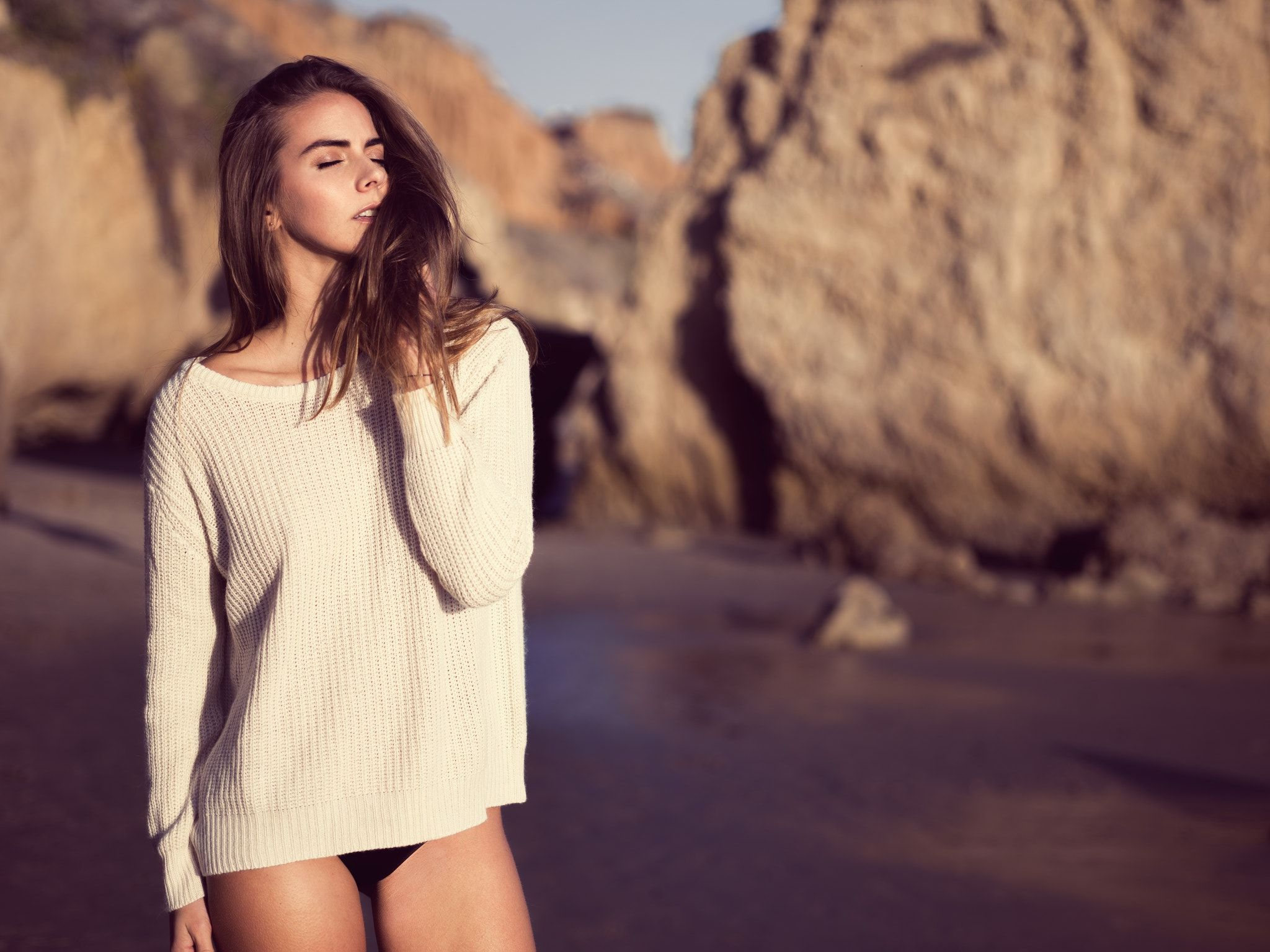 Tasha in Malibu - Natural Light Phase One XF System with IQ250 and Schneider 80mm f/2.8 LS   https://zsuttonphoto.com